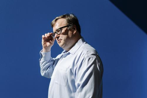 Reid Hoffman Shares Secrets for Startups in New 'Blitzscaling' Book